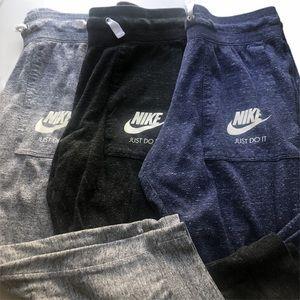 Nike Capri Jogger bottoms size S